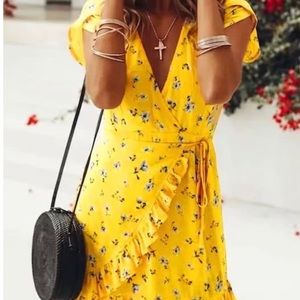 Floral Short Sleeve Wrap Dress NEW NO TAGS